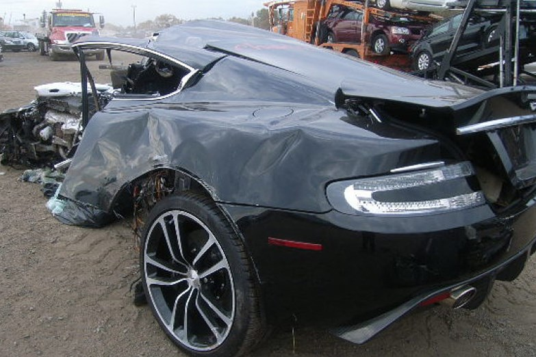 aston-martin-dbs-crash-nj-2.jpg